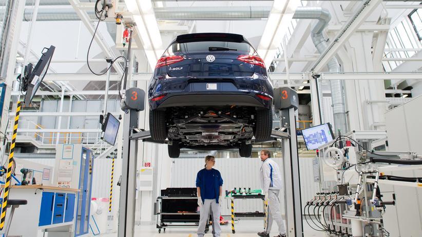 Autoindustrie: E-Mobilität macht Zehntausende Jobs überflüssig