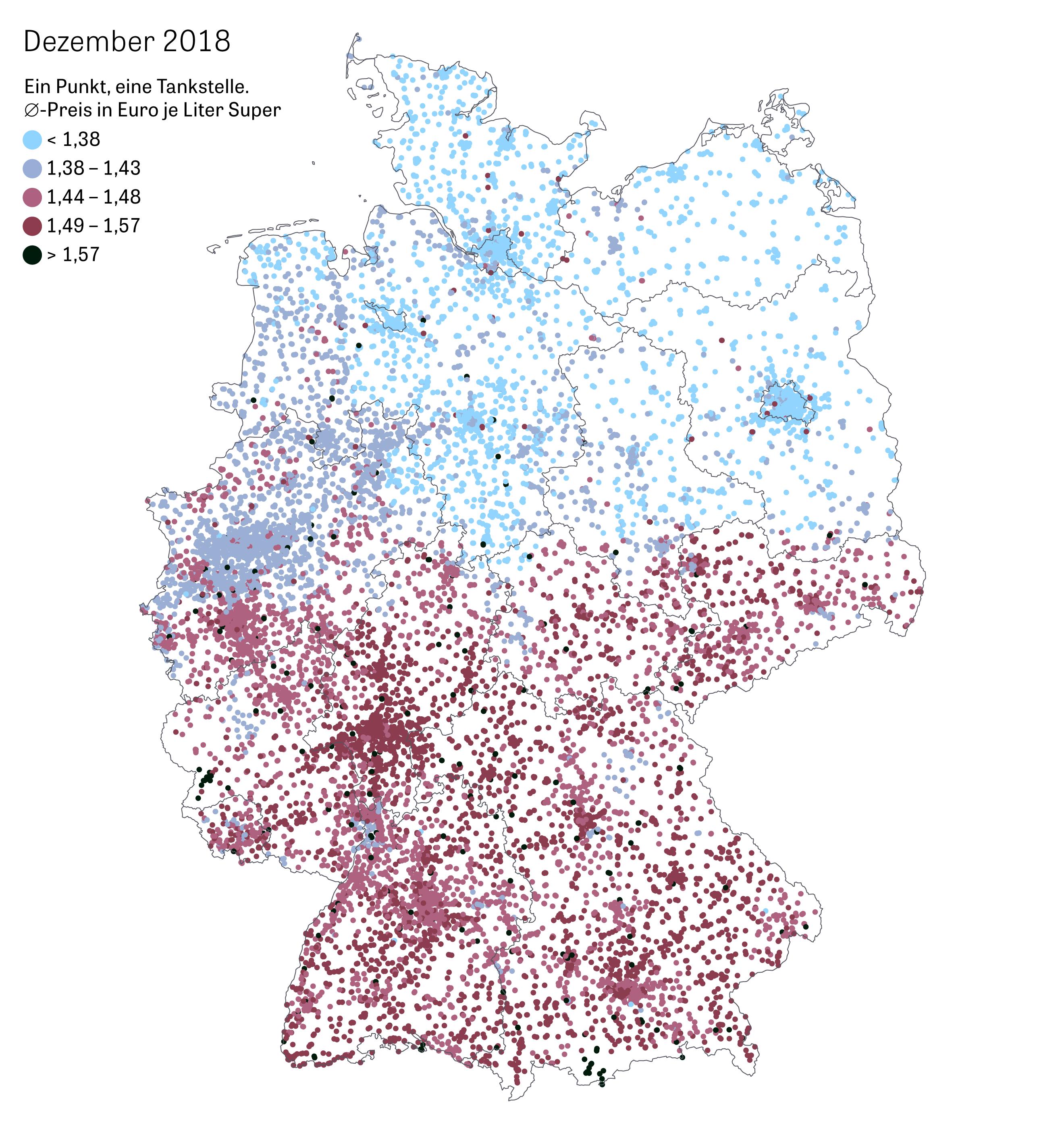 Benzinpreise: Tankstellen ändern ständig ihre Preise. Das ist normal. Es gibt aber Auffälligkeiten: Im Norden kostet Benzin weniger als etwa in Bayern oder Hessen. Warum ist das so?