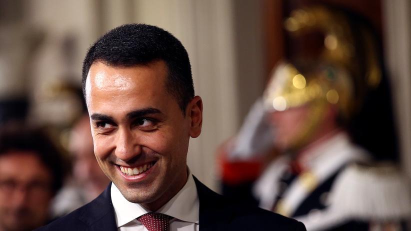 Wahlversprechen: Italien setzt umstrittene Reformen um
