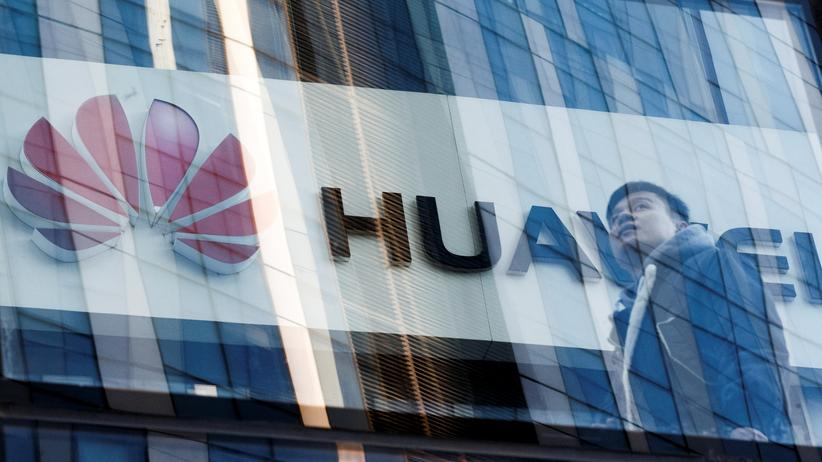 USA und China: Huawei Shop in Peking, China