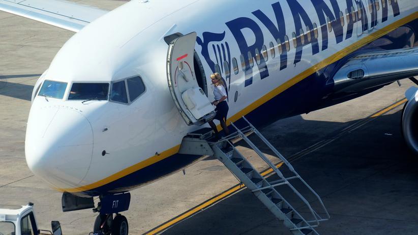Tarifvertrag: Erstmals wird für Beschäftigte von Ryanair in Deutschland deutsches Sozialrecht angewendet.