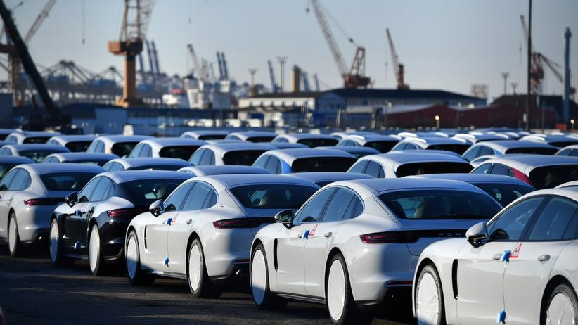 Konjunktur: Wirtschaftsforscher senken Wachstumsprognose deutlich