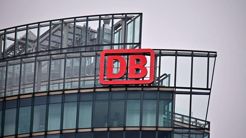 Ex-Vorstände: Sechsstellige Beratersummen in klammer Finanzlage? Die Deutsche Bahn muss die Praxis ihrer Verträge klären.
