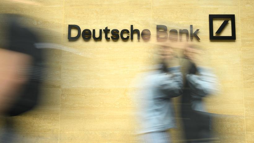 Bundesbank: Vor dem Londoner Büro der Deutschen Bank