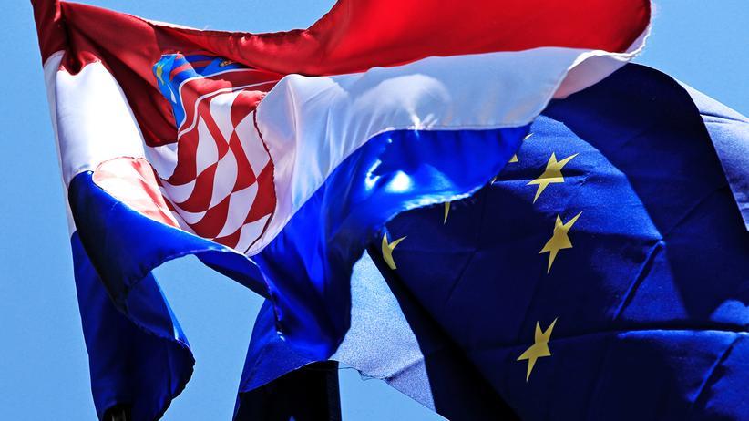Europa: Einer Umfrage der kroatischen Zentralbank zufolge befürwortet die Mehrheit in Kroatien einen Eurobeitritt.