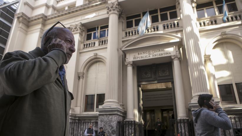 Schuldenkrise: Ratingagenturen stufen Argentinien weiter herab