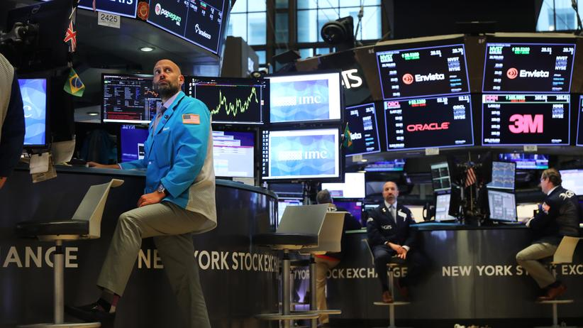 Konjunktur: Aktienhändler in der New York Stock Exchange (NYSE)
