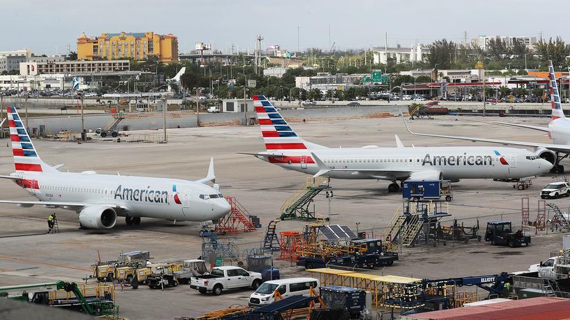 Boeing: Zwei Boeing 737 Max der Fluggesellschaft American Airlines auf dem Flughafen in Miami