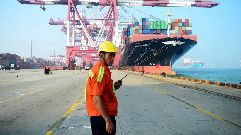 Zölle: Chinas Exporte leiden unter Streit mit USA