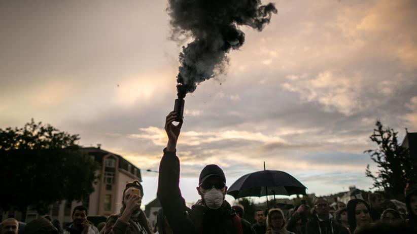Frankreich: Wie gerieten 10.000 Tonnen Chemikalien in Brand?