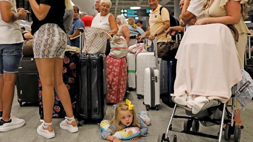 Reiseveranstalter: Thomas Cook sagt alle schon gebuchten Reisen für 2020 ab