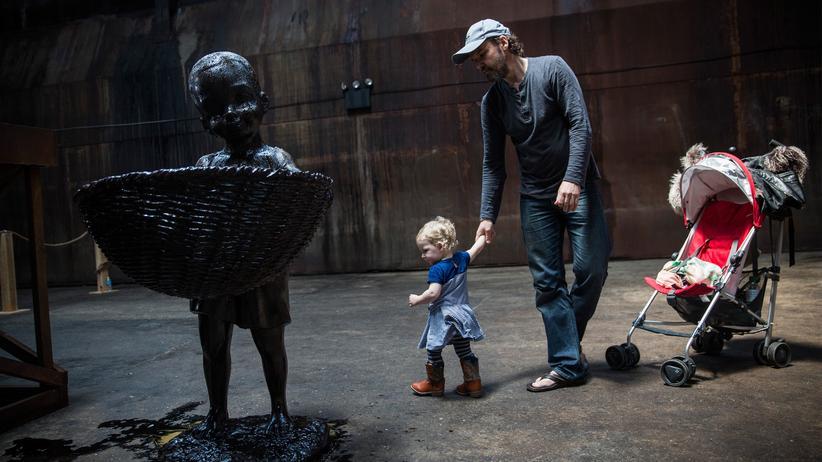 Entwicklungsminister: Skulptur eines arbeitenden Kindes im New Yorker Stadtteil Brooklyn, Mai 2014.