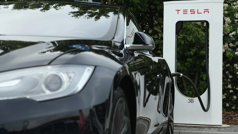 EU-Kommission: Das Ladenetz für Elektroautos soll bundesweit ausgebaut werden.
