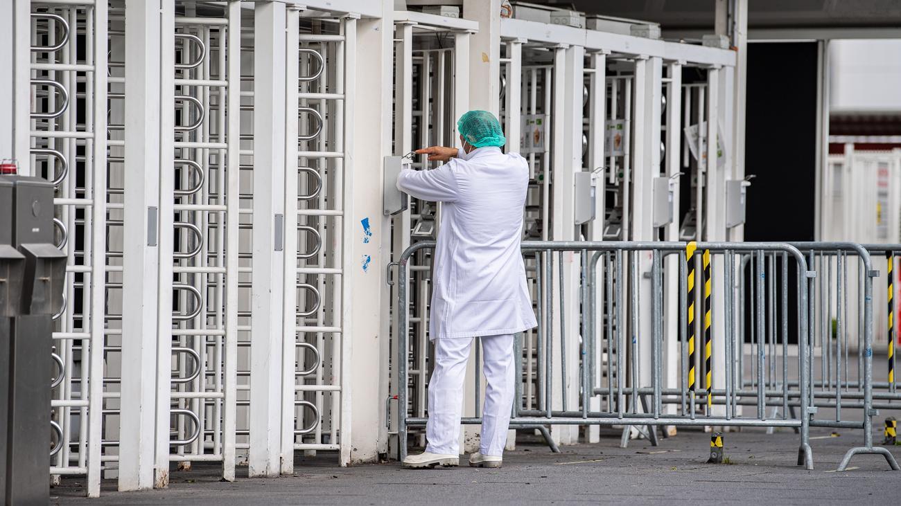 Knapp 1.900 Mängel in Unterkünften für Fleischarbeiter festgestellt