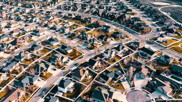 Einfamilienhäuser und Klimaschutz: Zurück in die Stadt!