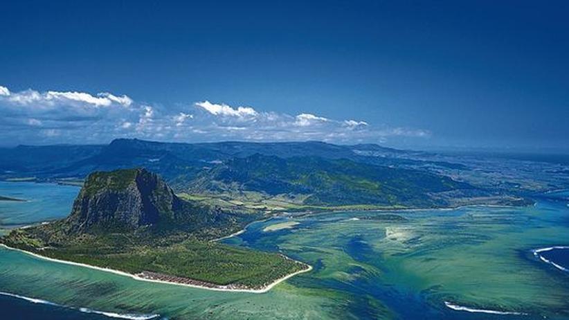 Landeanflug auf Mauritius. Hier ist die Deutsche Bank Offshore Group auch aktiv
