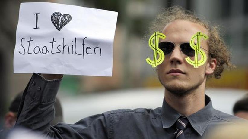 Student während eines Protests vor der Zentrale der Deutschen Bank im vergangenen Sommer