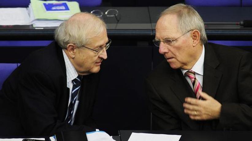 Wirtschaftsminister Rainer Brüderle (FDP) und Finanzminister Wolfgang Schäuble (CDU) im Bundestag