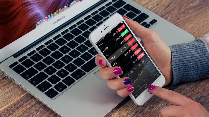 Geldanlage: Breit zu investieren und Nerven behalten, lautet der gängigste Tipp für risikoarme Anleger.