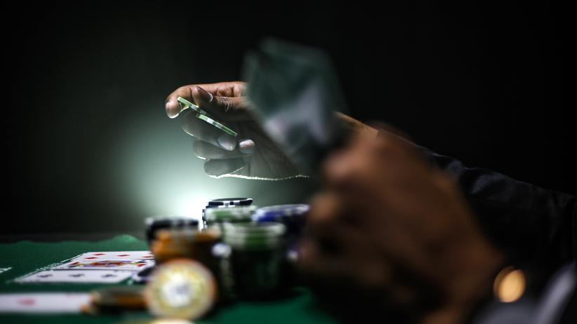 Gewinne aus Glücksspielen wie Poker müssen in Österreich nicht versteuert werden. Das lohnt sich vor allem für die Profis.