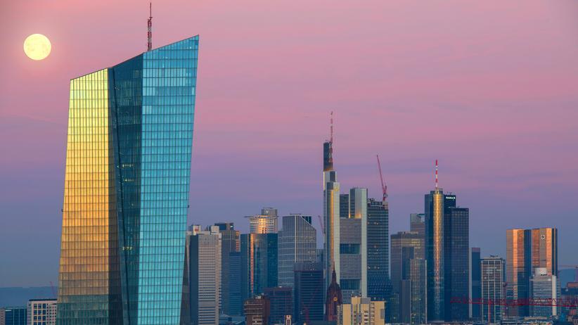 Bankenfusion: Finanzexperten warnen vor Fusion von Deutscher Bank und Commerzbank