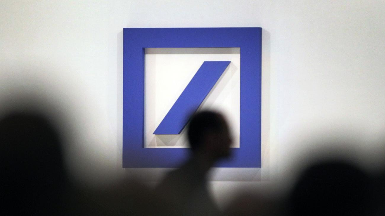 Christian Sewing: Deutsche Bank is considering reducing up