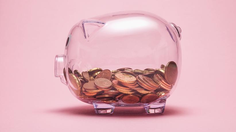 Negativzinsen: Schützt zumindest vor Negativzinsen, aber als langfristige Geldanlage nicht unbedingt empfehlenswert: Das Sparschwein.