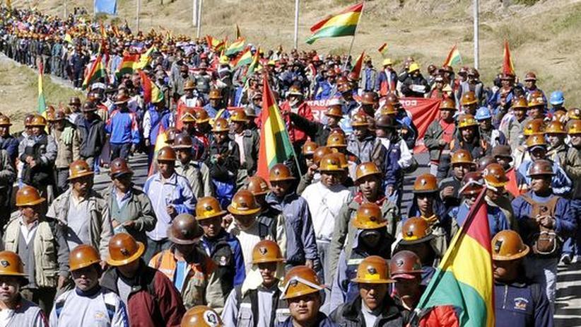 Auch in Bolivien ist Glencore aktiv. Hier protestieren Arbeiter der Bergbaufirma Sinchi Wayra, einer Glencore-Tochter, für bessere Arbeitsbedingungen.