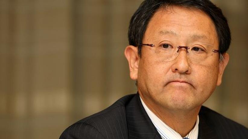 Auto-Industrie: Toyota-Chef entschuldigt sich für Rückruf