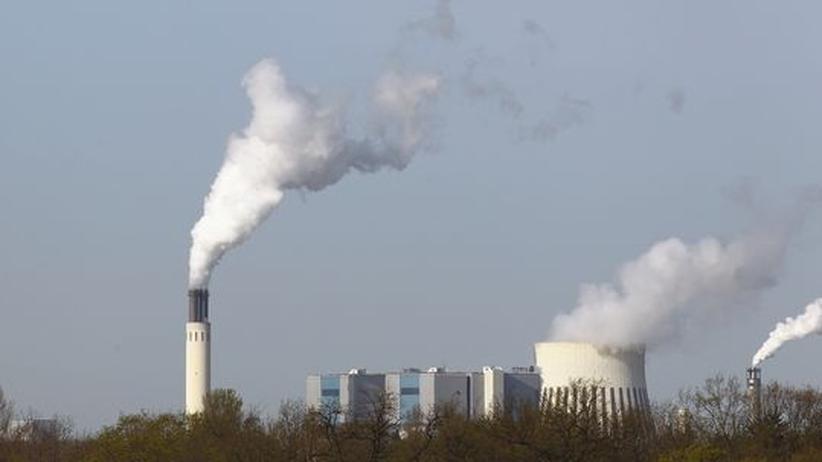 Energie: Das Vattenfall-Kohlekraftwerk Reuter West in Berlin. Im geplanten Kraftwerk Klingenberg will der Energiekonzern Holzschnitzel aus Liberia verfeuern