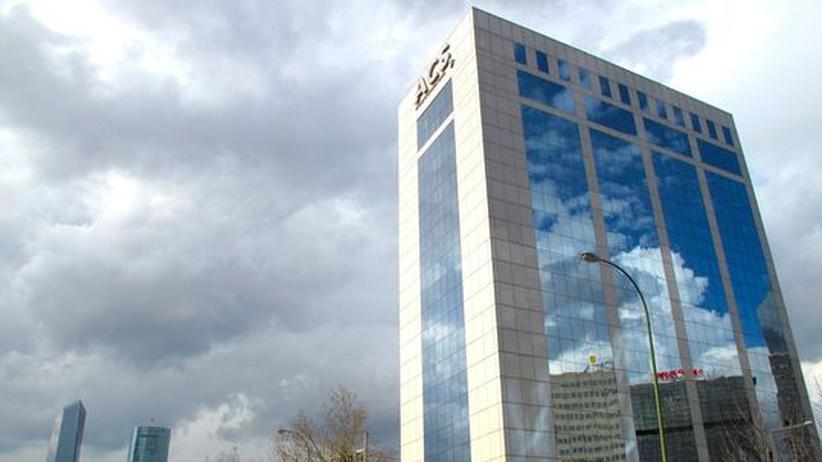 Übernahmekampf: Spanischer Baukonzern erhöht Druck auf Hochtief
