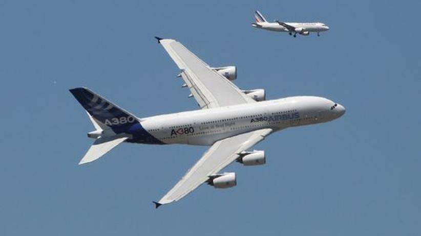 Flugverkehr: Behörde lässt alle A380 prüfen