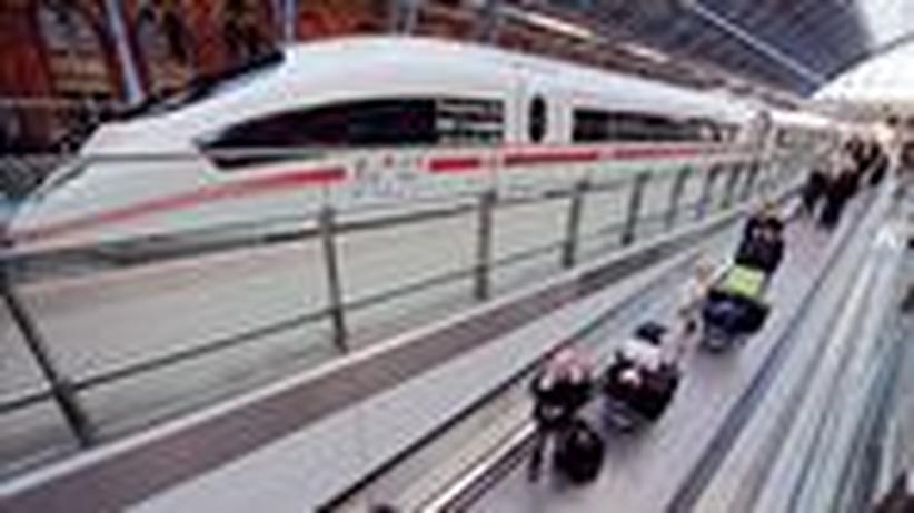 Fernverkehr: Angriff auf das letzte Monopol der Bahn