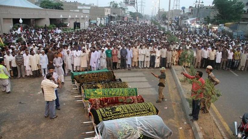 Pakistan: Billig-Textilhändler kik produzierte am Ort der Karachi-Katastrophe