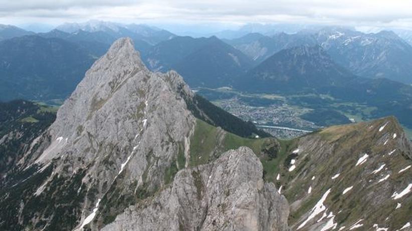 Metallwerk Plansee: Blick von der Kellenspitze in das Lechtal mit Reutte