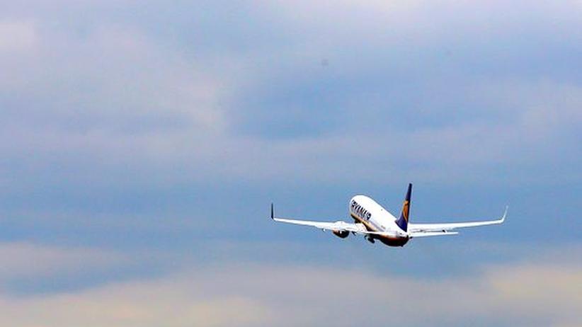 Flugsicherheit: Ryanair soll beim Gewicht betrogen haben