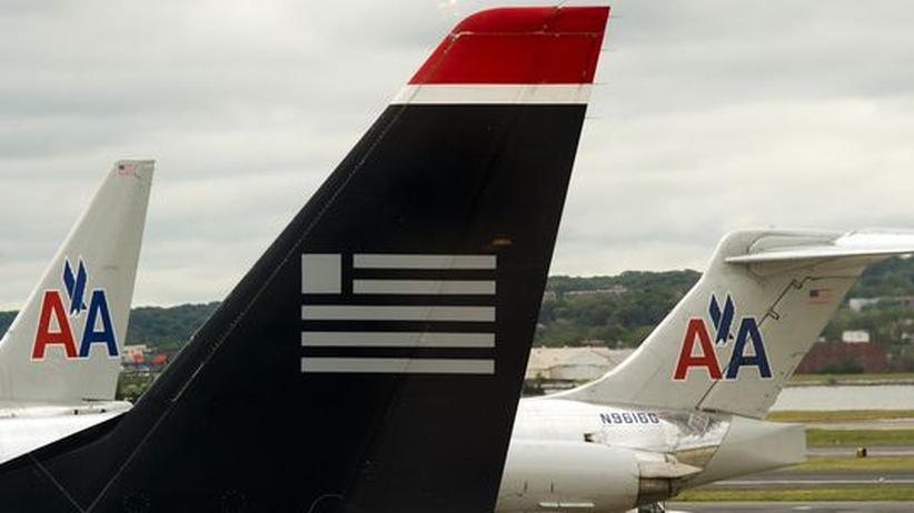 Flugzeuge der American Airlines und der US Airways auf dem Flughafen von Arlington, Virginia