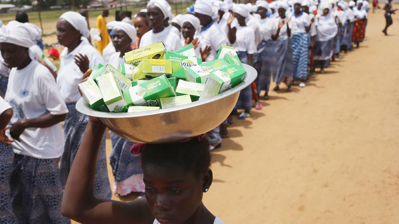 Ebola: Das Geschäft mit der Epidemie