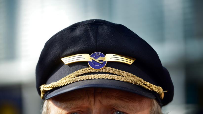 Streik Pro und Contra: Dürfen Lokführer und Piloten das Land lahmlegen?