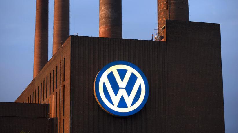 Volkswagen: Volkswagen-Skandal in Deutschland: 2,4 Millionen Fahrzeuge sind betroffen und müssen nachgebessert werden.