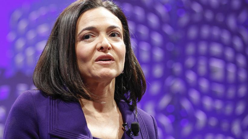 Paradebeispiel einer erfolgreichen Managerin: Facebook-Geschäftsführerin Sheryl Sandberg im vergangenen November auf einem Podium in San Francisco