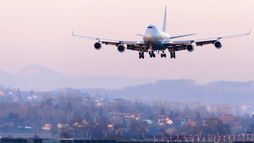 Airlines: Wie ausgeschlafen war der Pilot? Eine Boeing 747 von Cargolux im Landeanflug auf den Schweizer Flughafen von Payerne
