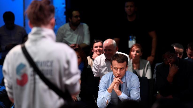 Datenanalye: Präsidentschaftskandidat Emmanuel Macron auf einer Wahlkampfveranstaltung in Sant-Denis