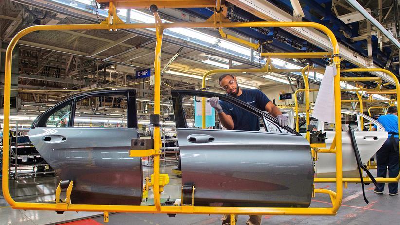 US-Wirtschaft: Autofertigung in einem Werk von Mercedes-Benz in Vance im US-Bundesstaat Alabama