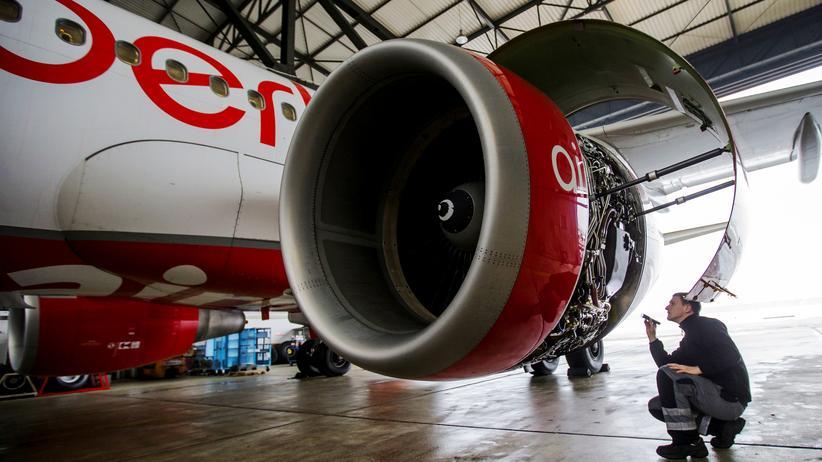Wettbewerbsexperten sehen eine mögliche Lufthansa-Übernahme von Air Berlin kritisch.