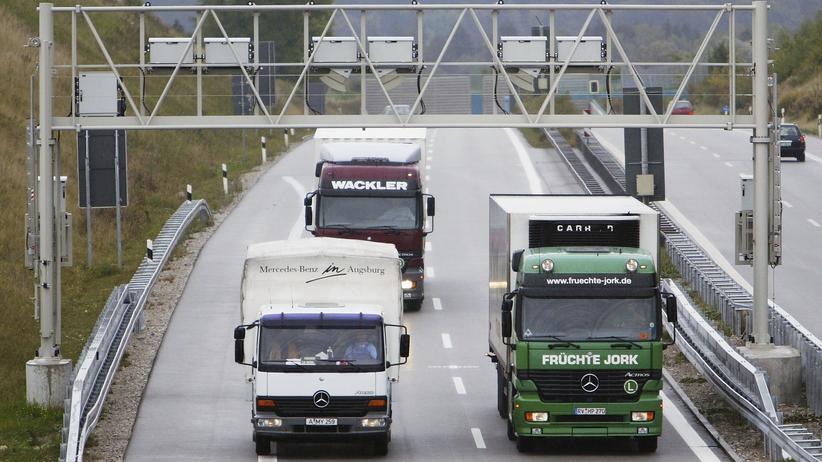 Toll Collect: Toll Collect erhebt auf Autobahnen und ausgesuchten vierspurigen Bundesstraßen die Lkw-Maut für den Bund.