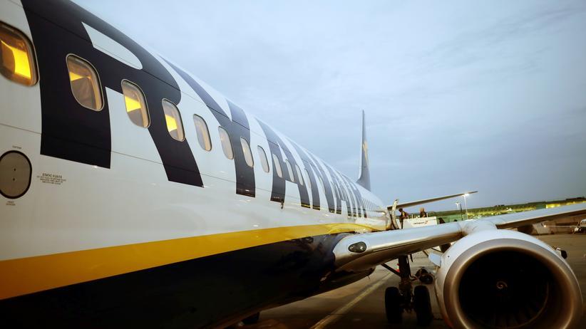 Ryanair: Ryanair-Maschine auf dem Rollfeld des Londoner Flughafens Stansted