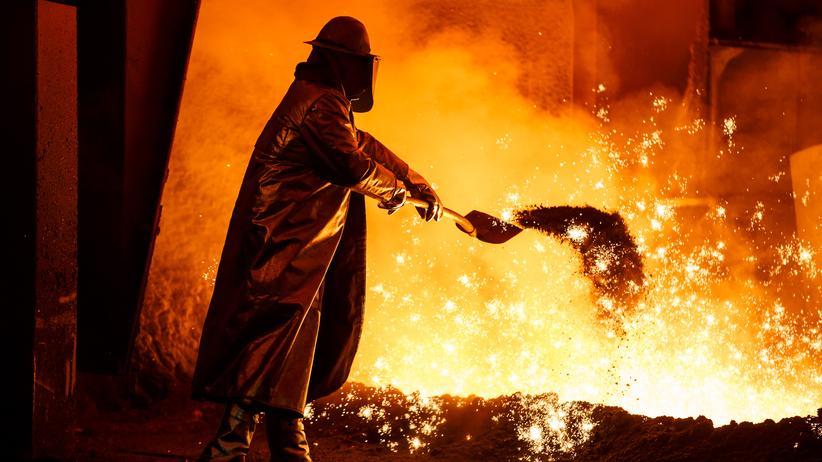 Metall- und Elektroindustrie: IG Metall droht mit Streiks im neuen Jahr