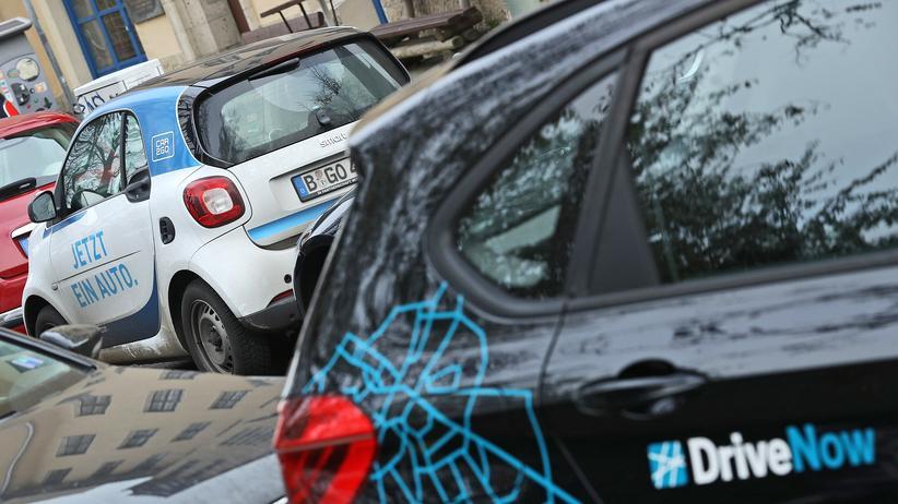 Car2Go und DriveNow: Car2Go and DriveNow werden zusammengelegt, um den Markt nicht dem Fahrdienst Uber zu überlassen.