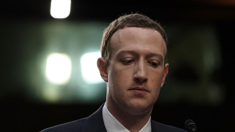 Cambridge-Analytica-Datenskandal: Britische Datenschützer verhängen Höchststrafe gegen Facebook